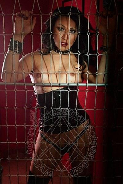 Lady Barbara Kardashian  PESARO 3408317576