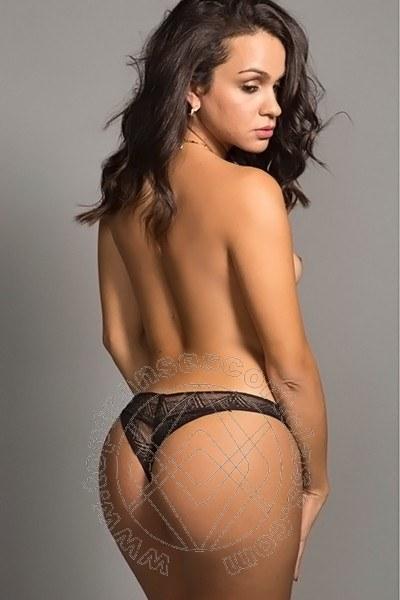 Camilla Honey  MILANO 3342471717